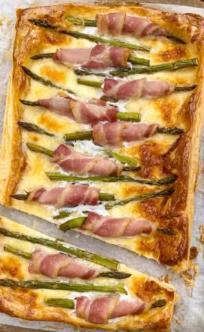 Тарт с зелёной спаржей и беконом