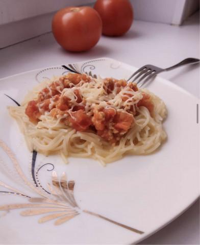 Вермишель с томатно-мясным соусом 🍝