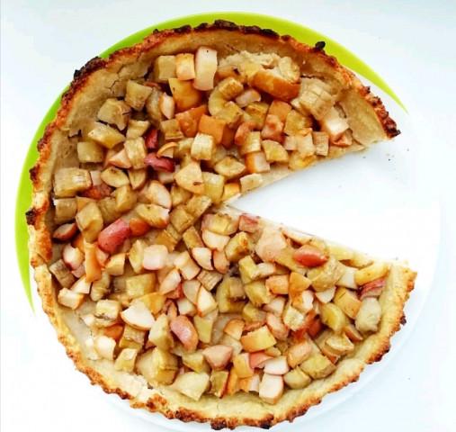 Открытый сладкий пирог