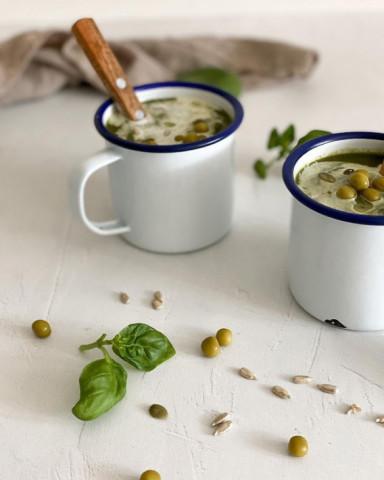Суп-пюре из шпината и гороха