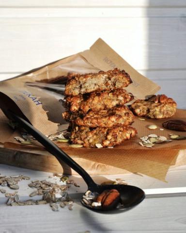 Овсяное печенье с черносливом и орешками