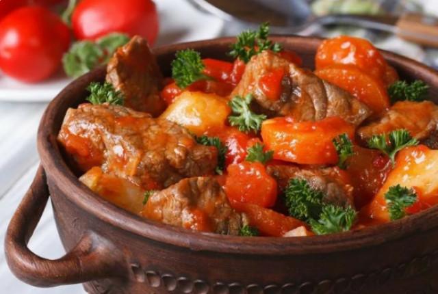 Мясо в горшочках по-грузински