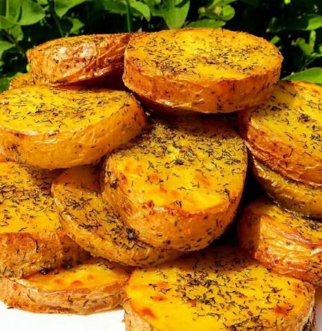 Картофель с чесноком и укропом