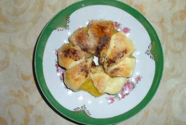 Булочка с ананасом