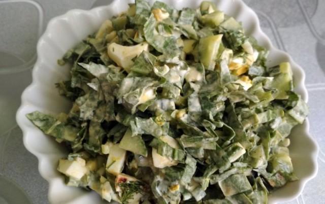 Салат из щавеля с картофелем и яйцами