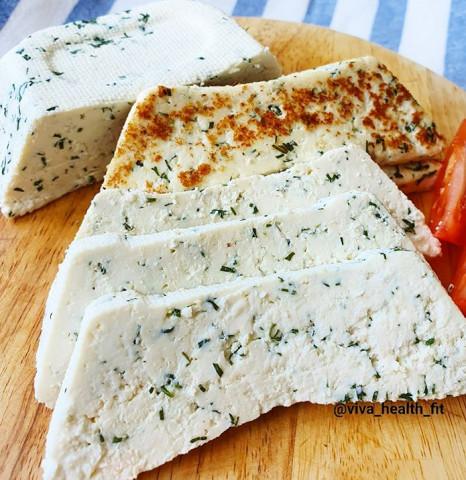 Адыгейский сыр с зеленью