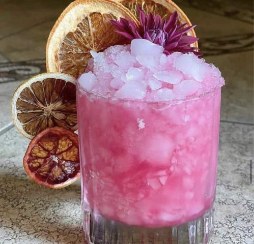 Великолепный по своему вкусу и цвету напиток на основе водки