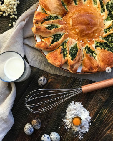 Пирог-солнышко со шпинатом
