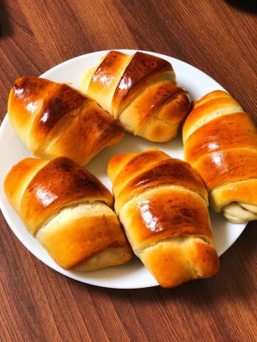 Пышные булочки со сгущенкой