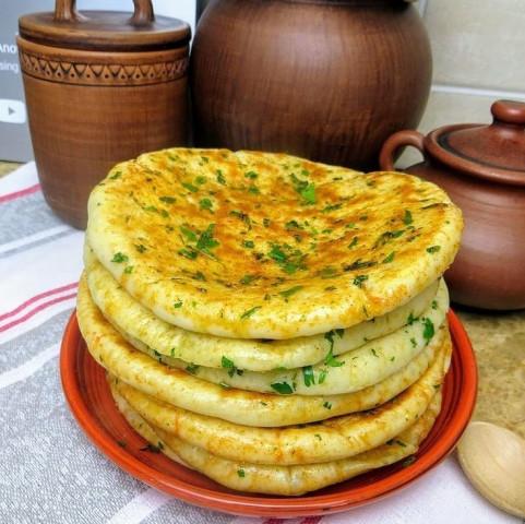 Лепешки с сыром и зеленью