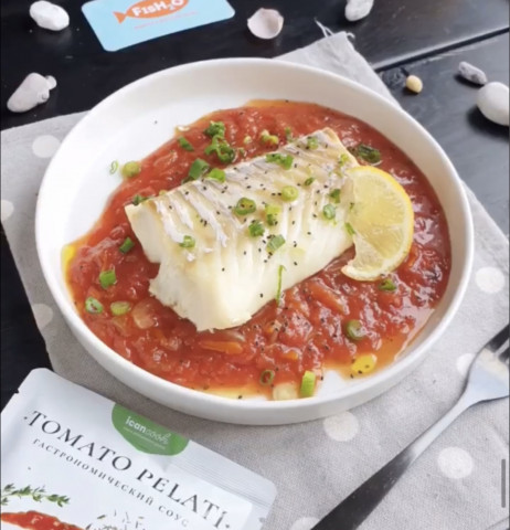 Треска с томатным соусом