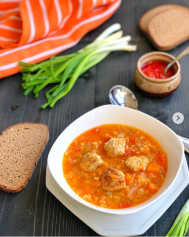 Чечевичный суп с тыквой и фрикадельками🍲