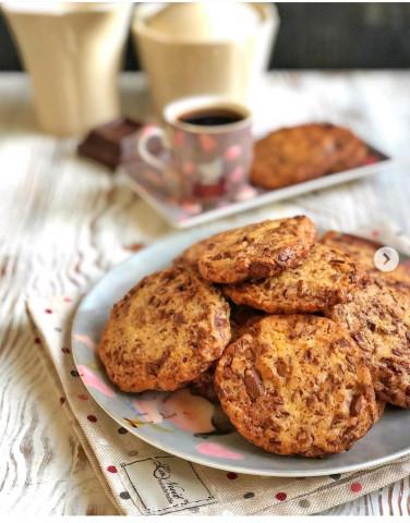 Хрустящее печенье с кусочками шоколада🍪