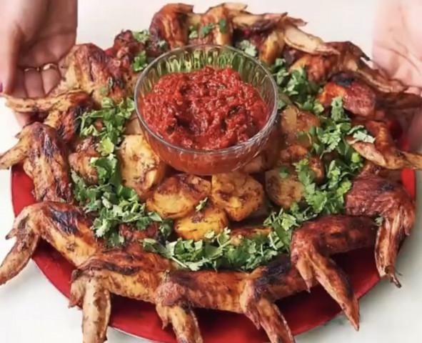 Идея оформления самого простого и быстрого горячего для праздничного стола или приёма гостей 🤗