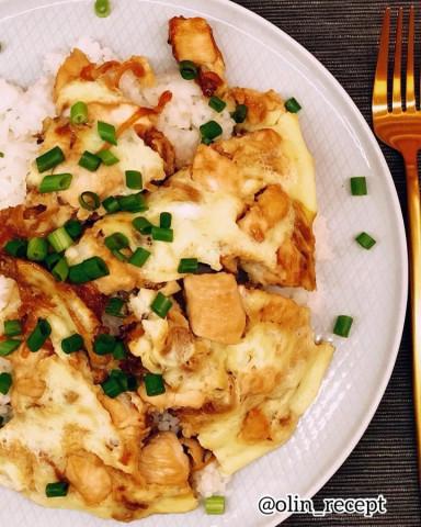 Омлет с курицей и рисом
