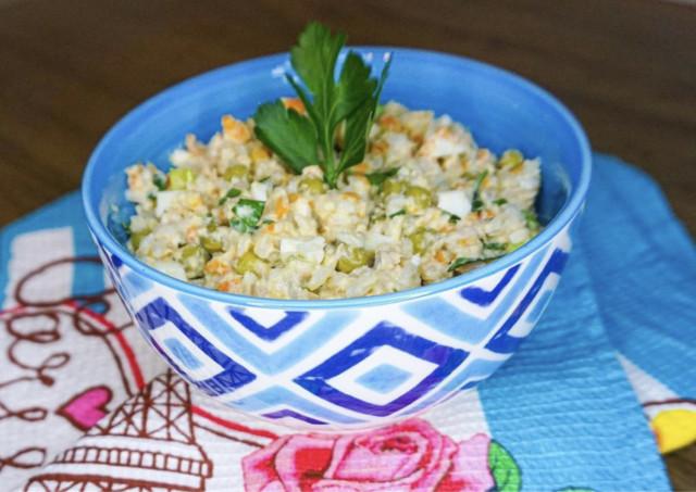 Салат с консервированной горбушей👍🏻