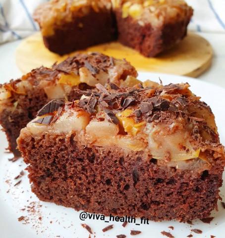 Шоколадный манник с яблочно-грушевой начинкой