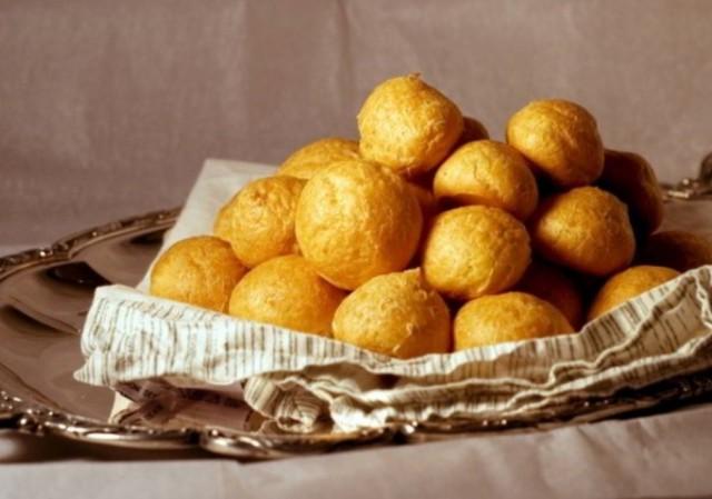 Пончики картофельные с черносливом