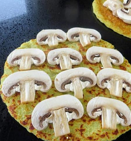 Рулетики с грибами