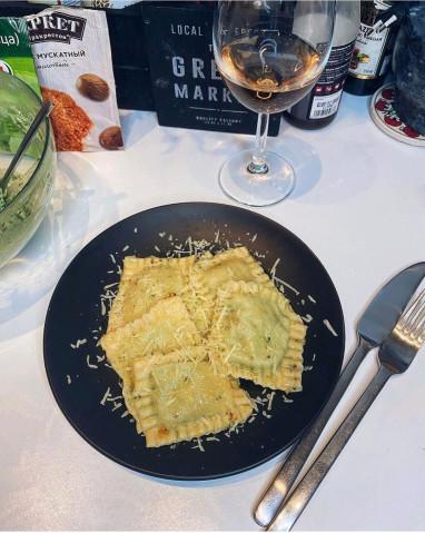 Равиоли со шпинатом и рикоттой🥟