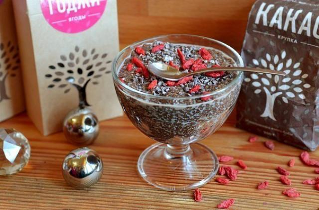Шоколадно-ореховый пудинг с семенами чиа