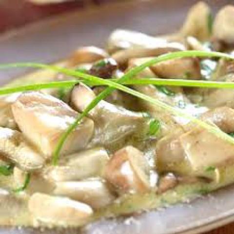 Белые грибы со сливочным соусом