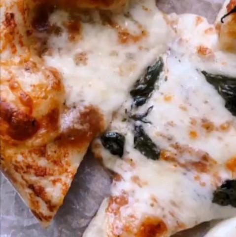 Настоящая неаполитанская пицца