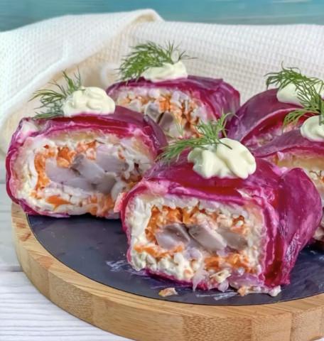 Новогодний салат-ролл «Селёдка под шубой»