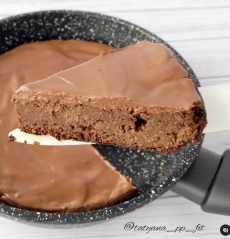 Шоколадно-кофейный брауни на сковороде
