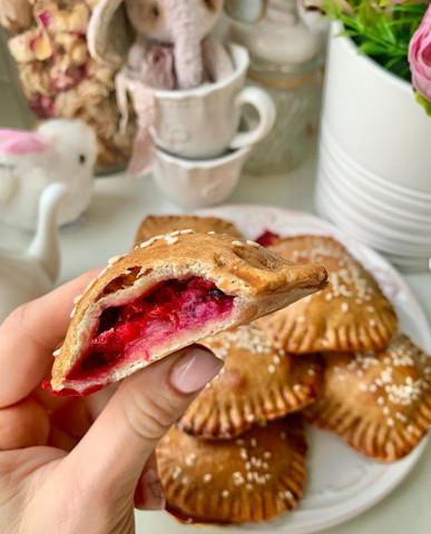 ПП-пирожки с ягодой
