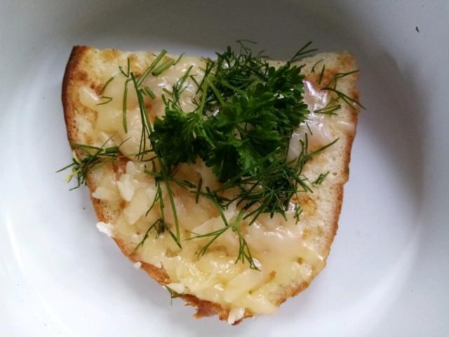 Французские тосты с сыром и зеленью