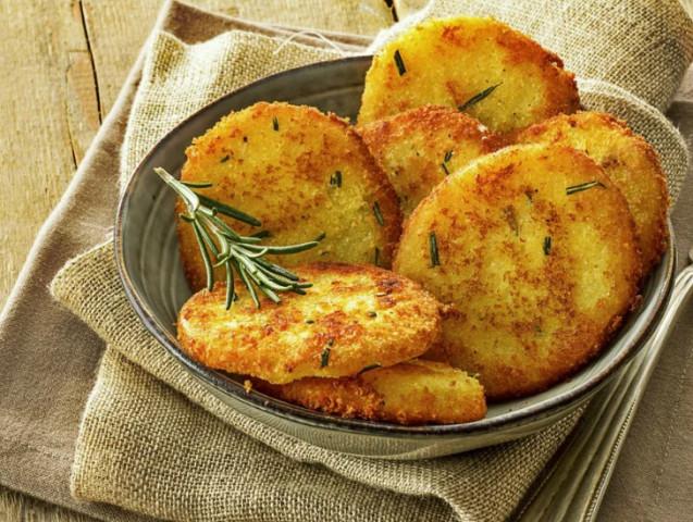 Картофель в хрустящей панировке из сухарей