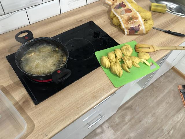 Картофельные дольки айдахо с филе во фритюре