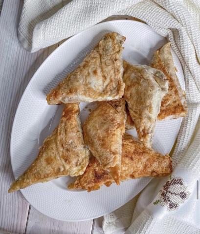 Пирожки с курицей и капустой в лаваше