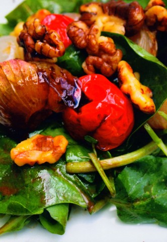 Салат из печеного шалота с бальзамическим уксусом