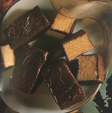 Слоеные шоколадные пирожные