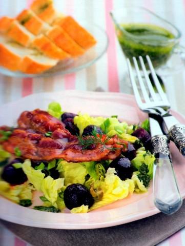 Салат из свеклы с соусом из каперсов и укропа
