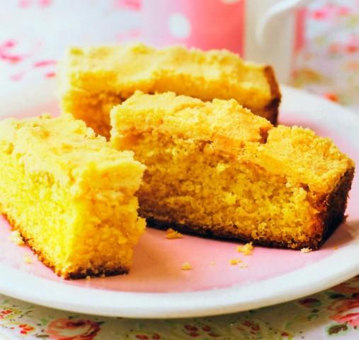 Ванильный пирожок со штрейзелем