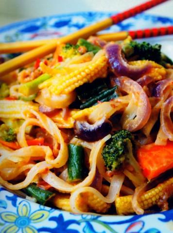 Рисовая лапша под острым соусом