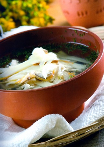 Суп-лапша домашняя с курицей и грибами