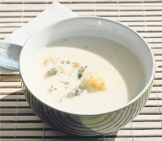 Белый суп с курицей по-баварски