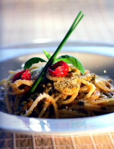 Спагетти с зеленым луком по рецепту миланского ресторана Aimo e Nadia