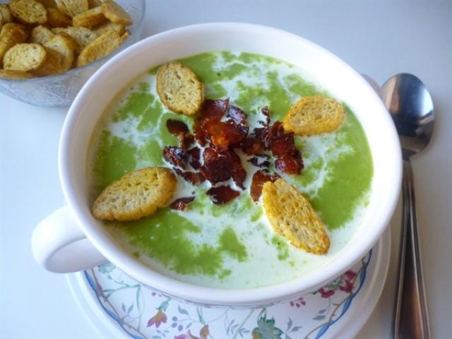 Суп с зеленым горошком и ветчиной