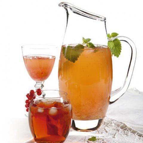 Холодный чай с ревенем