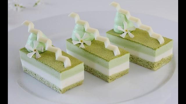 Пирожное с зеленым чаем, имбирем и бобами Мунг