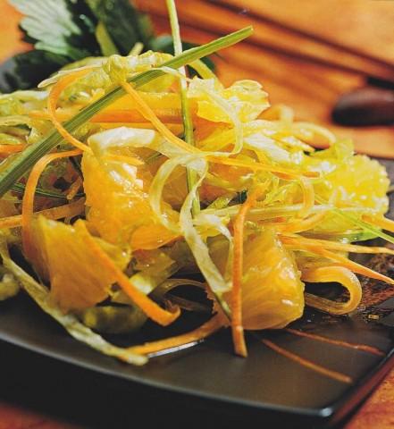 Салат с апельсинами