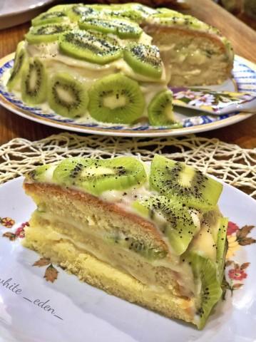 Бисквитный торт с заварным кремом и киви