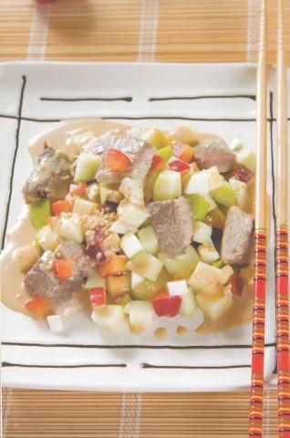 Салат из рыбы с фруктами