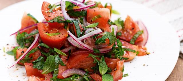 Салат из перца и помидоров