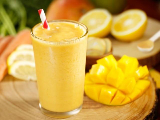 Смузи манго-маракуйа